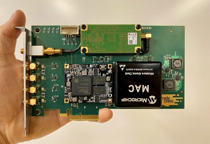 Facebook разработал открытую PCIe-карту с атомными часами